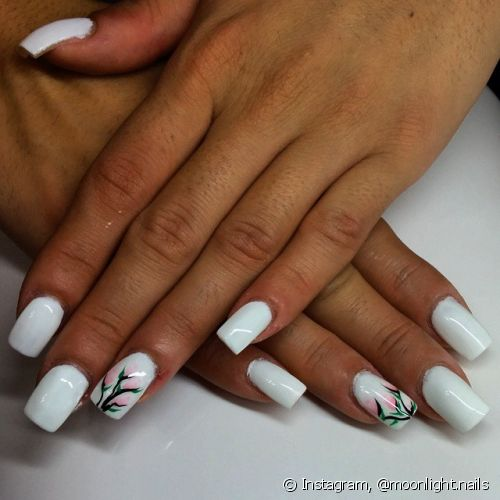 A nail art filha única deixa as unhas decoradas mais discretas