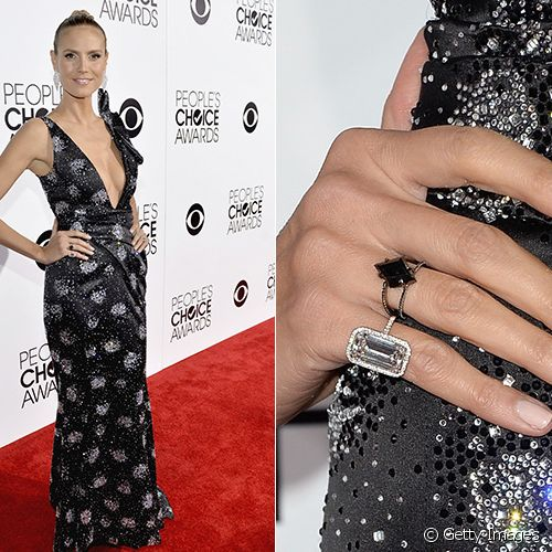 No people's Choice Awards 2014, Heidi Klum preferiu deixar as unhas mais discretas para equilibrar o look, com vestido cheio de brilhos, e optou pelo esmalte nude com um leve toque de marrom