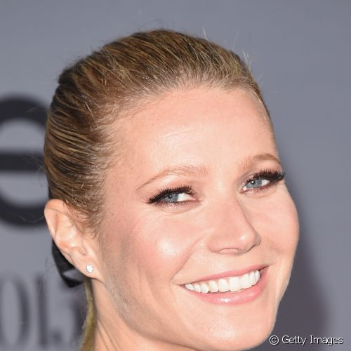 Veterana do red carpet, Gwyneth Paltrow abusou da luminosidade na pele e dos cílios postiços