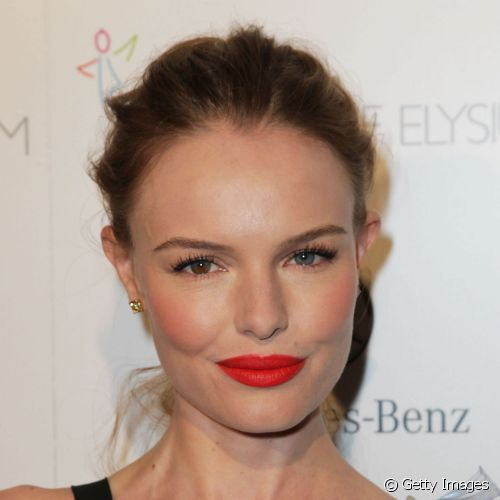 Kate Bosworth adora incrementar as suas makes de aspacto natural com batom vermelho